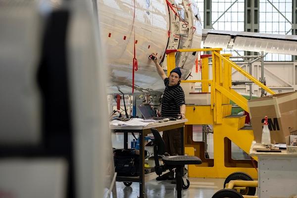 Трекер Leica в авиакосмической промышленности
